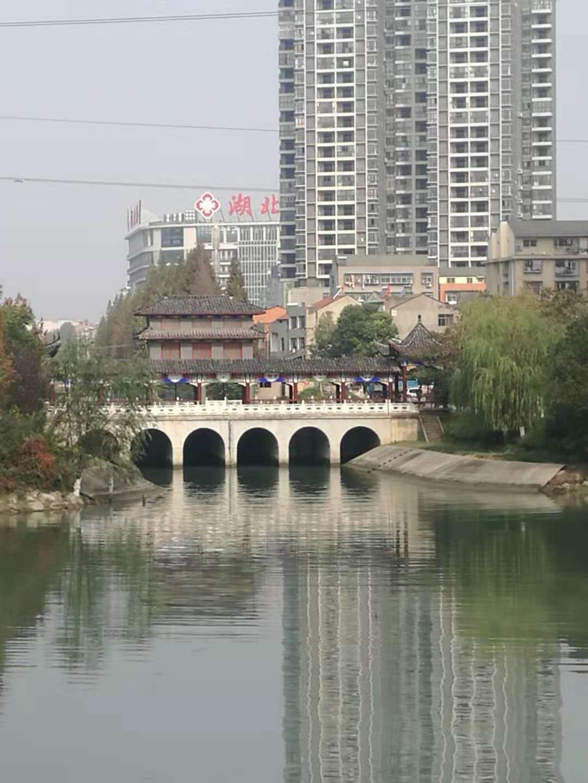 武汉东西湖区蔬五支沟,蔬十沟水体提职工程钢坝门